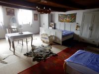 Prostorný pokoj v patře chalupy - Prodej chaty / chalupy 210 m², Zbytiny