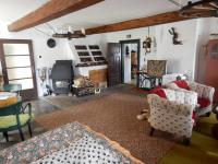 Obývací pokoj / přízemí / - Prodej chaty / chalupy 210 m², Zbytiny