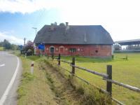 Boční pohled chalupy - Prodej chaty / chalupy 210 m², Zbytiny