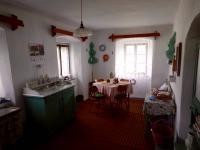 Kuchyně / přízemí / - Prodej chaty / chalupy 210 m², Zbytiny