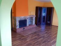 Pohled z jídelny do obývacího pokoje (Prodej domu v osobním vlastnictví 282 m², Chvatěruby)