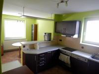 Kuchyně s jídelnou (Prodej domu v osobním vlastnictví 282 m², Chvatěruby)