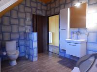Koupelna s wc , v 2.NP (Prodej domu v osobním vlastnictví 282 m², Chvatěruby)