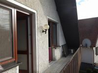 Balkón se vstupem do 2 pokojů  (Prodej domu v osobním vlastnictví 282 m², Chvatěruby)