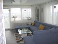 Obývací pokoj. - Prodej domu v osobním vlastnictví 356 m², Beroun