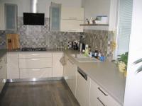 Kuchyň. - Prodej domu v osobním vlastnictví 356 m², Beroun