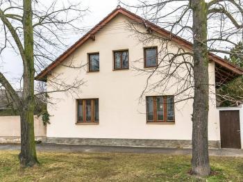 Pohled na dům. - Prodej domu v osobním vlastnictví 329 m², Libomyšl
