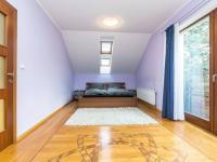 Ložnice s balkonem. - Prodej domu v osobním vlastnictví 329 m², Libomyšl