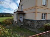 dům ze severozápadní strany - Prodej domu v osobním vlastnictví 230 m², Jince