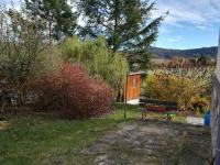 část zahrady s kůlnou - Prodej domu v osobním vlastnictví 230 m², Jince