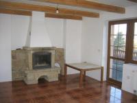 Obývací pokoj, krb. - Prodej domu v osobním vlastnictví 196 m², Trubská