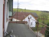 Venkovní terasa. - Prodej domu v osobním vlastnictví 241 m², Zbinohy