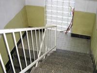 Schody do patra. - Prodej domu v osobním vlastnictví 241 m², Zbinohy