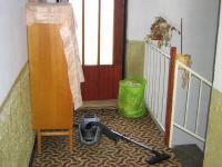Chodba v patře a vstup na terasu.. - Prodej domu v osobním vlastnictví 241 m², Zbinohy