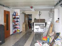 Garáž. - Prodej domu v osobním vlastnictví 356 m², Beroun