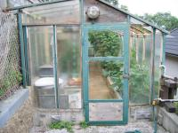 Skleník na zahradě. - Prodej domu v osobním vlastnictví 356 m², Beroun