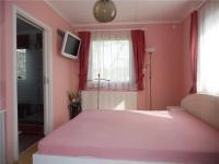 Ložnice (Prodej domu v osobním vlastnictví 242 m², Zbelítov)