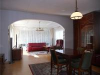 Obývací pokoj a jídelna (Prodej domu v osobním vlastnictví 242 m², Zbelítov)