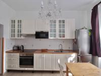 Kuchyně bytu B (Prodej domu 600 m², Tábor)