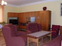Obývací pokoj (Prodej domu v osobním vlastnictví 121 m², Krásná Hora nad Vltavou)
