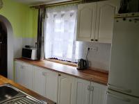 Kuchyně (Prodej domu v osobním vlastnictví 172 m², Týnec nad Sázavou)