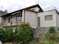 Pohled na dům ze zahrady (Prodej domu v osobním vlastnictví 172 m², Týnec nad Sázavou)