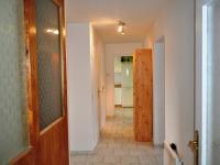 Chodba v obytné části (Prodej domu v osobním vlastnictví 172 m², Týnec nad Sázavou)