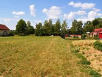 Pohled z druhé strany - směr příjezdová silnice (Prodej pozemku 3448 m², Hrusice)