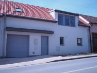 Prodej domu v osobním vlastnictví 162 m², Lažánky