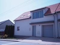 Prodej domu v osobním vlastnictví 133 m², Lažánky
