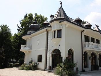 Prodej domu v osobním vlastnictví, 870 m2, Modra