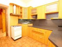 kuchyňská linka (Prodej bytu 2+1 v osobním vlastnictví 73 m², Plzeň)