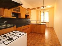 kuchyně (Prodej bytu 2+1 v osobním vlastnictví 73 m², Plzeň)