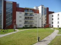 vnitroblok domu (Prodej bytu 2+kk v osobním vlastnictví 98 m², Plzeň)