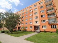 dům z venku (Prodej bytu 3+1 v osobním vlastnictví 66 m², Plzeň)