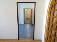 Pohled z pokoje 1, pokojem 2 do předsíně - Prodej bytu 4+kk v osobním vlastnictví 126 m², Plzeň