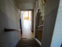 Vstup do domu a schodiště - Prodej bytu 4+kk v osobním vlastnictví 126 m², Plzeň