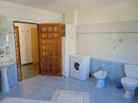 Koupelna s WC - Prodej bytu 4+kk v osobním vlastnictví 126 m², Plzeň