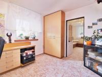 pokoj 5 - Prodej domu v osobním vlastnictví 308 m², Zbůch