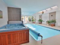 bazén s vířivkou - Prodej domu v osobním vlastnictví 308 m², Zbůch