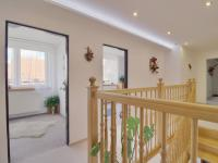 chodba - Prodej domu v osobním vlastnictví 308 m², Zbůch