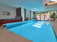 bazén - Prodej domu v osobním vlastnictví 308 m², Zbůch