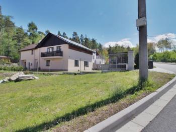 dům z venku - Prodej domu v osobním vlastnictví 308 m², Zbůch