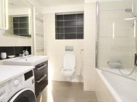 koupelna s WC - Pronájem bytu 2+kk v osobním vlastnictví 81 m², Plzeň