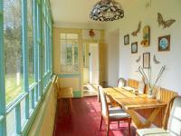 Posezení v zimní zahradě - Prodej chaty / chalupy 180 m², Teplá