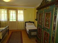Podkroví - ložnice č.3 se zaskleným posezením - Prodej chaty / chalupy 180 m², Teplá