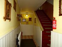 Přízemí - vstupní chodba a schodiště do podkroví - Prodej chaty / chalupy 180 m², Teplá