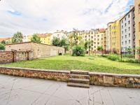 společná zahrada za domem - Prodej bytu 4+kk v osobním vlastnictví 122 m², Plzeň