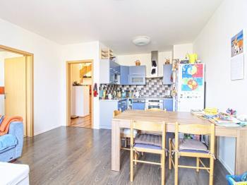 obývací pokoj s jídelním prostorem - Prodej bytu 4+kk v osobním vlastnictví 122 m², Plzeň