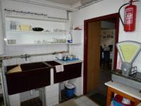 kuchyně 1.NP (Prodej nájemního domu 560 m², Chroboly)